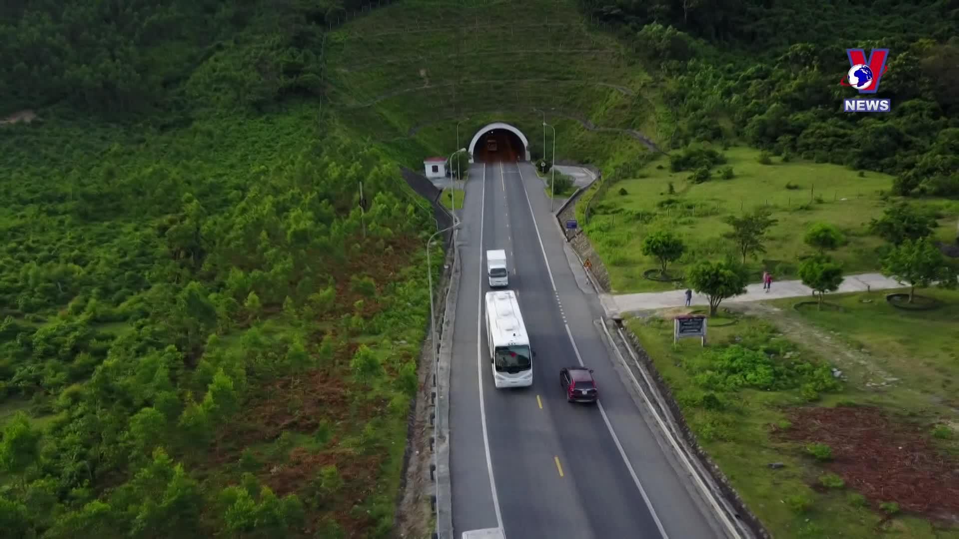 Hai Van Pass among ten most beautiful drives worldwide